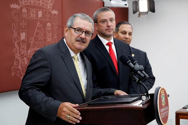 'Tapaboca' al Gobernador cortesía del Jefe FBI