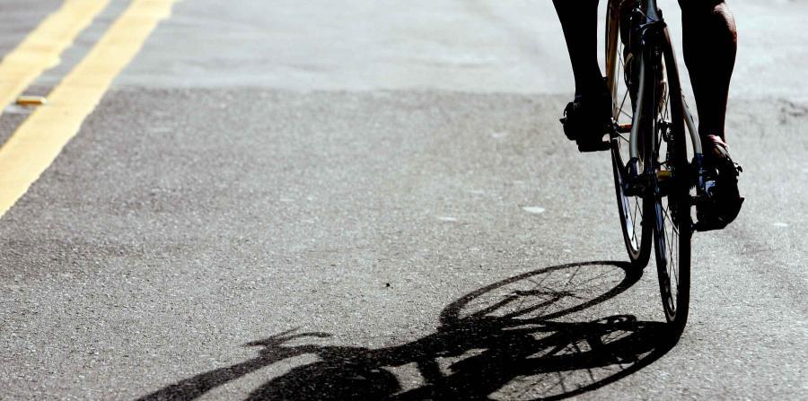 Menor es atropellado mientras corría bicicleta por Santurce