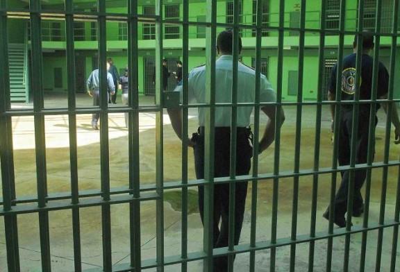 Apuñalan confinado en cárcel Las Cucharas