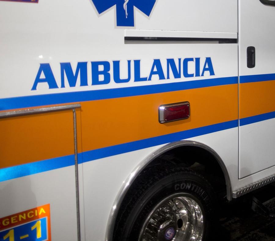 Cae auto por precipicio de 75 pies en Aguada
