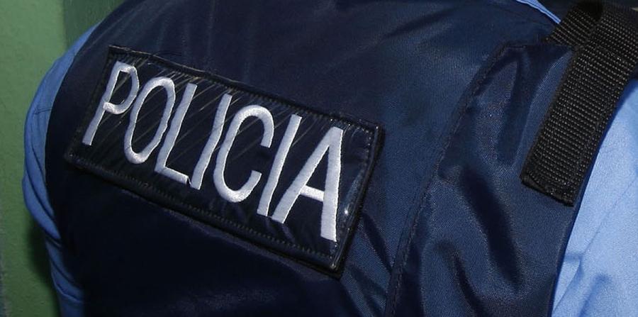 Mecánico demanda a la Policía
