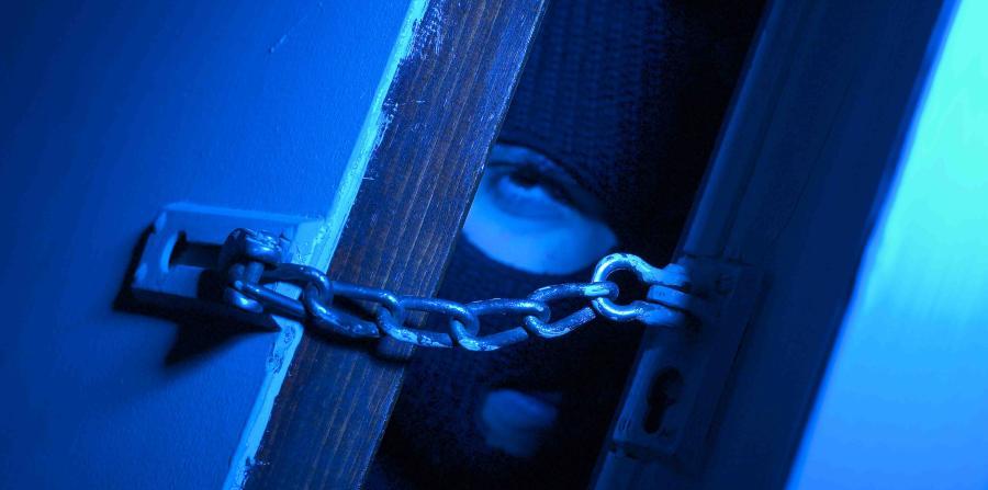 Escalofriantes robos en residencias de Vega Baja y Añasco