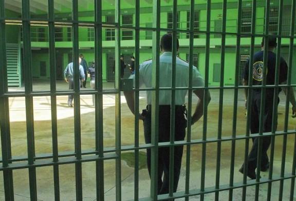 Confinado es apuñalado en cárcel Las Cucharas