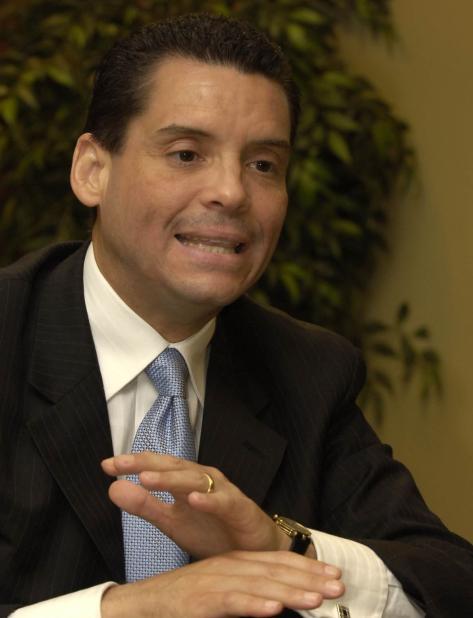 Leo Díaz podrá colocar letrero frente a su comité