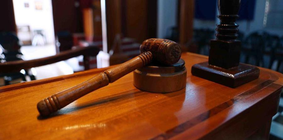 Justicia demanda a cuatro negocios