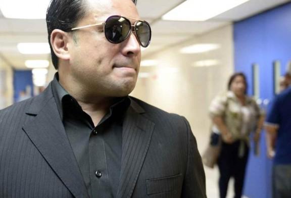 Buscan archivar cargo contra Manny Manuel