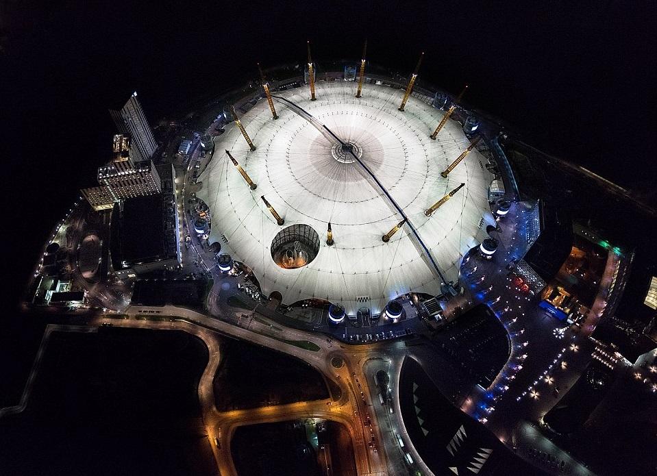 ¡Fotografías aéreas capturan la ciudad iluminada de Londres en todo su esplendor!