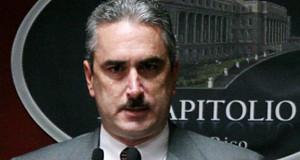 Rivera Schatz reclama a Bernier hable sobre corrupción en el PPD