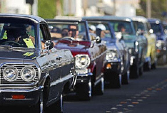 Cierran toda la avenida Roosevelt por parada de autos antiguos