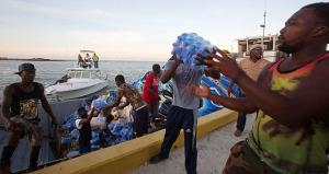 Asociación de Alcaldes tiende una mano amiga a damnificados por el huracán Matthew