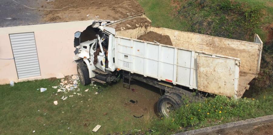 Aparatoso accidente con dos camiones en Orocovis