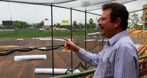 Realizan mejoras a estadio de béisbol en Carolina