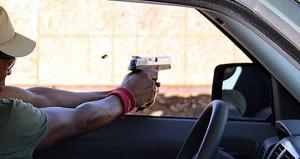 Investigan balacera de carro a carro en Naguabo