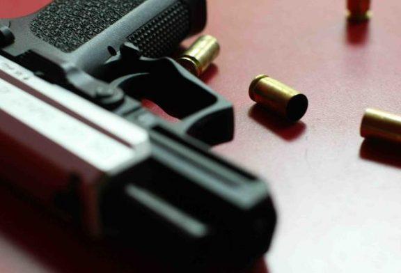 Hieren de bala a un hombre y asesinan a otro en Caguas