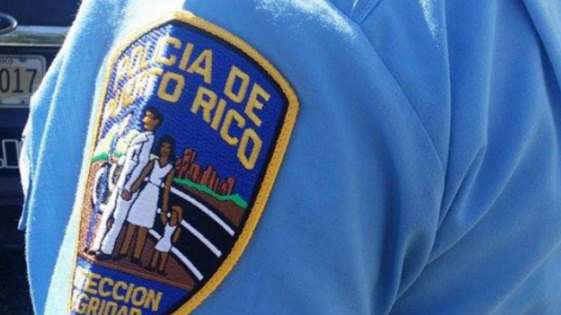 Reciben atención médica conductor y pasajero que chocaron con patrulla en Humacao