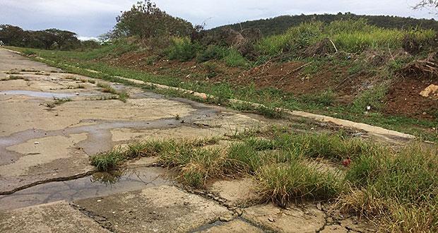 Evalúan posibilidad de establecer un sistema de alcantarillado en Santa Rita, Fajardo