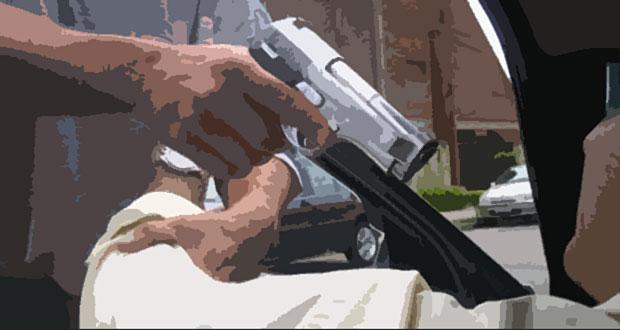 Roban auto a sujeto en Humacao