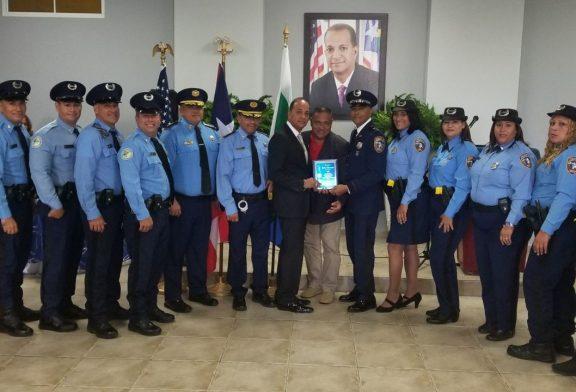 Premian labores de la Policía en evento especial