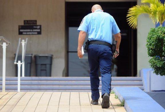 La Policía investiga a un joven por amenazar con tirotear a su colegio