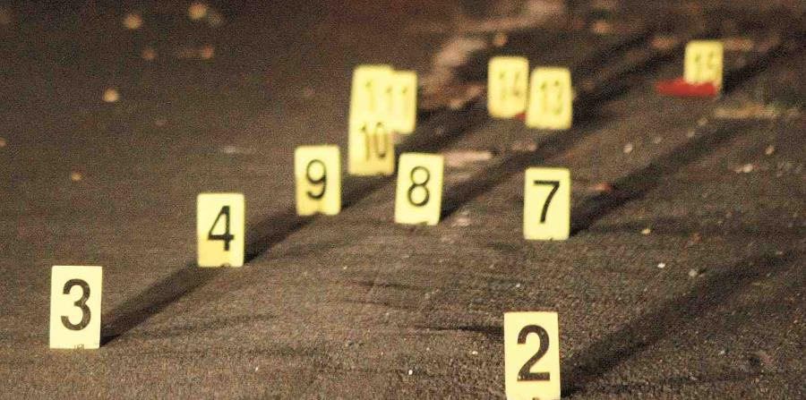 La Policía encuentra cadáver baleado dentro de un auto en Cayey