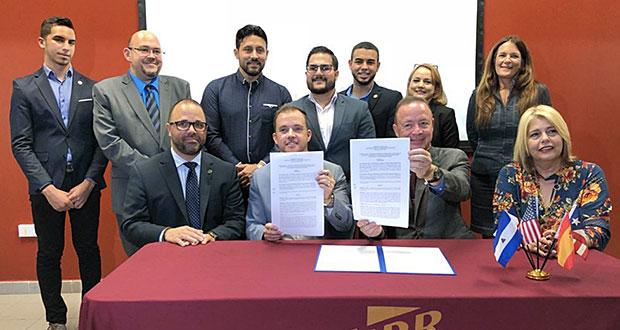 DDEC y Comercio y Exportación firman acuerdo con UPR Humacao