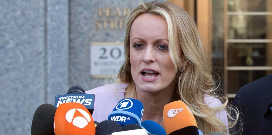 Un juez sopesa postergar caso de Stormy Daniels